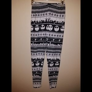 NIGHTMARE BEFORE CHRISTMAS LEGGINGS SIZE SMALL